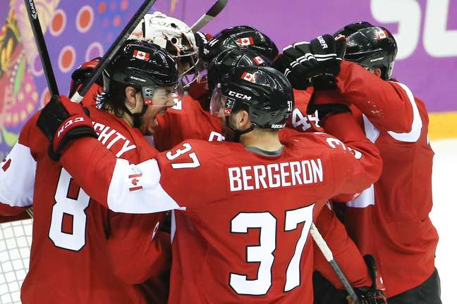 Canadá comemora terceiro tirunfo em semifinais olímpicas contra Estados Unidos