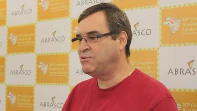 """O representante da OMS na América Latina, Joaquim Molina, diz que a celebração do Dia Mundial de Doenças Raras é """"importante para lembrar que existem tais doenças"""", conscientizando"""