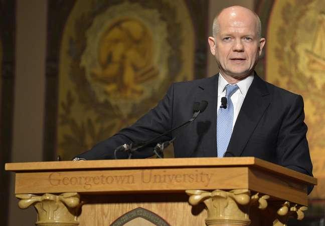 """O Secretário de Relações Exteriores britânico, William Hague, disse neste sábado que a ação russa é um """"potencial grave ameaça"""" à soberania da Ucrânia"""