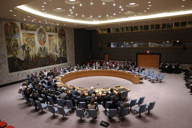 Membros do Conselho de Segurança da ONU em encontro sobre a crise na Ucrânia, no escritório da ONU em Nova York, em 1 de março