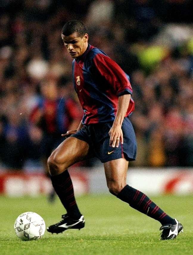 <p>Rivaldo viveu auge com a camisa do Barcelona</p>