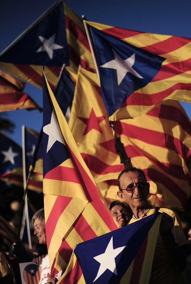 <p>Movimento separatista da Catalunha acontece há mais de setenta anos</p>