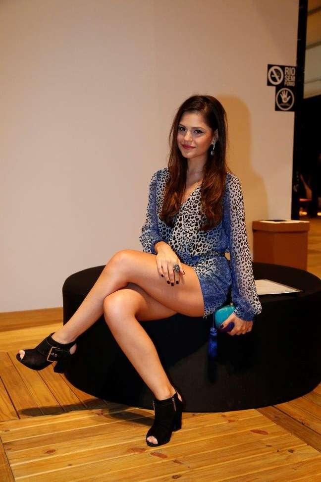 <p>Jéssika Alves brincou com figurino Guiomar, sua personagem em novela: ''no começo eu olhava e ficava com dó''</p>