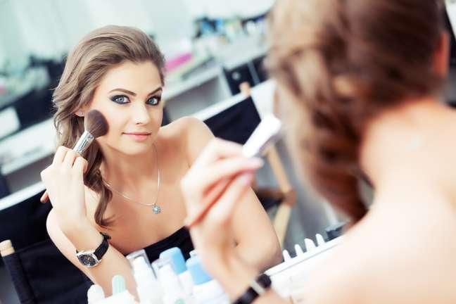 <p>Antes de comprar a maquiagem, &eacute; muito importante conhecer a pr&oacute;pria pele</p>