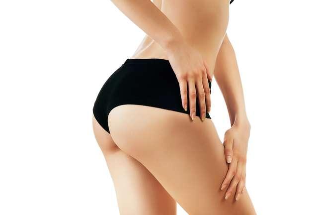 Para evitar que a pele do bumbum sofra com todos os efeitos causados pela foliculite, principalmente durante a temporada outono-inverno, é de extrema importância que a pele transpire de maneira correta