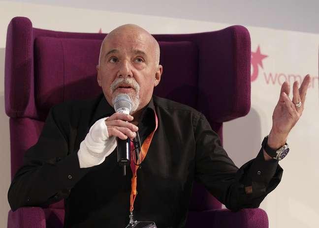 Paulo Coelho diz ter se decepcionado com preparação do Brasil para a Copa