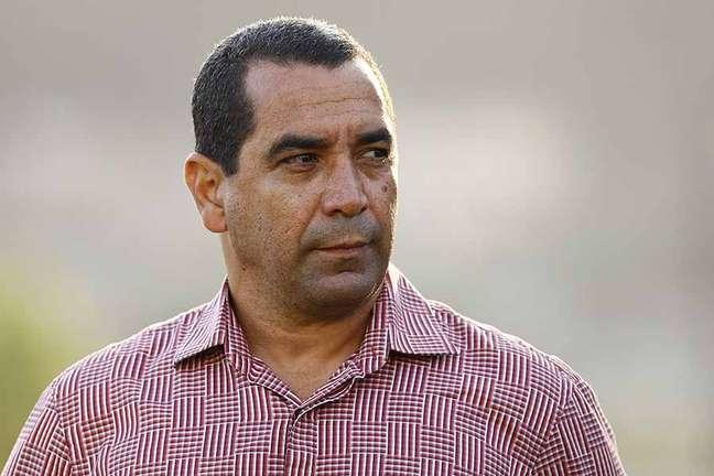 Zinho atualmente é gerente de futebol do Santos