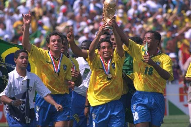 Zinho festeja conquista do tetracampeonato nos Estados Unidos em 1994