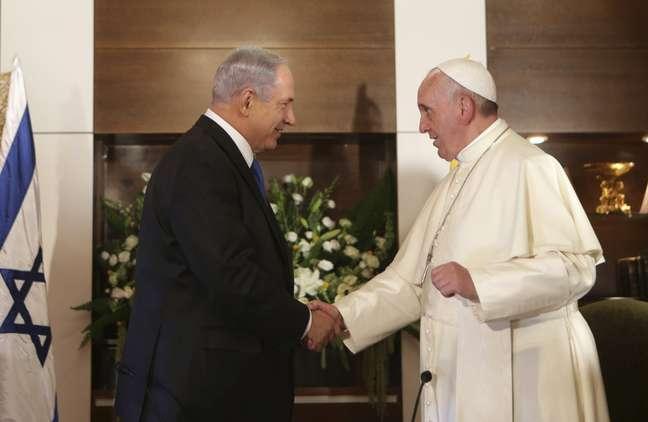 <p>Refer&ecirc;ncias a Jesus nos dias de hoje s&atilde;o complicadas e muitas vezes pol&iacute;ticas.&nbsp;Netanyahu e Francisco divergem quanto a l&iacute;ngua falada pelo personagem b&iacute;blico</p>