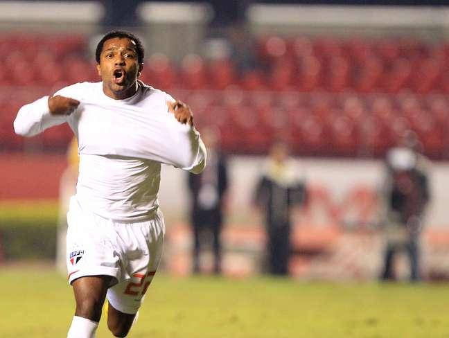 <p>Pabón não deu muito certo no São Paulo, mas reencontrou a veia goleadora no futebol mexicano</p>