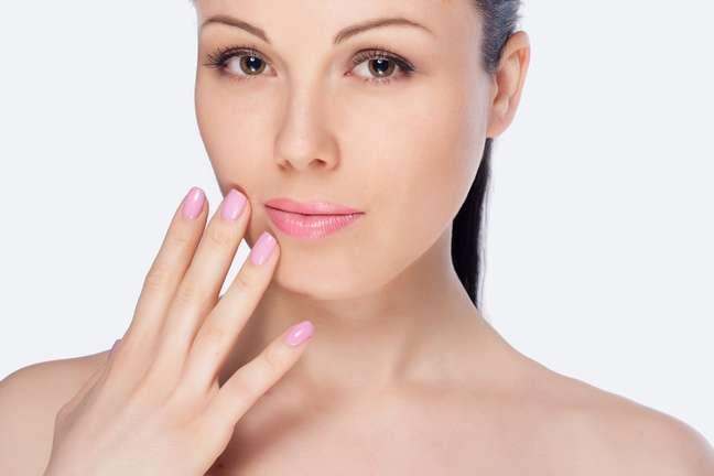 Um estudo da Universidade de Leiden, na Holanda, feito em parceira com o Instituto de pesquisas Unilever, do Reino Unido, comprovou que quanto maior a dose de glicose concentrada no sangue mais rápido acontece o envelhecimento da pele