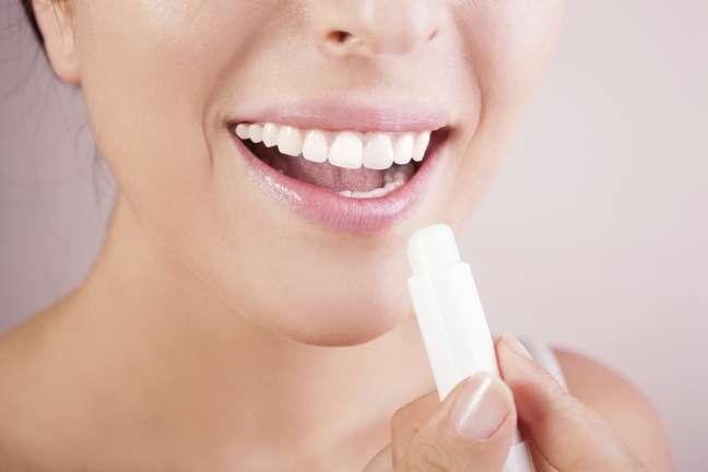 Além de hidratar os lábios, manteiga de cacau agora é recomendada para combater estrias