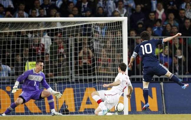 Messi anotou três vezes contra suíços em 2012