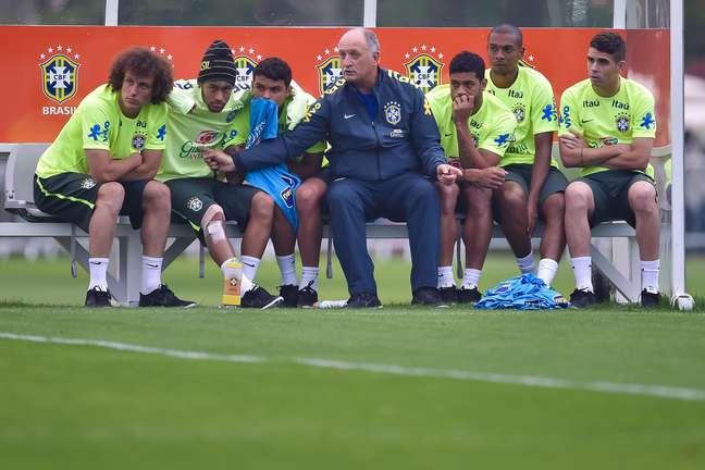 <p>Durante a Copa, Felipãochamou 6 jornalistas para um papo em particular</p>