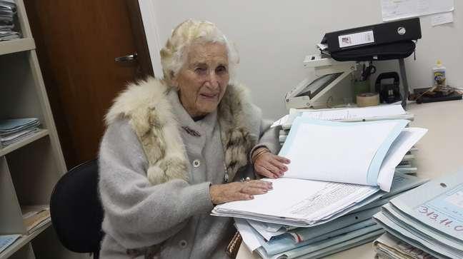 <p>Chames Salles Rolim, 97 anos, irá receber o diploma de bacharel em Direito no dia 7 de agosto em Minas Gerais</p>