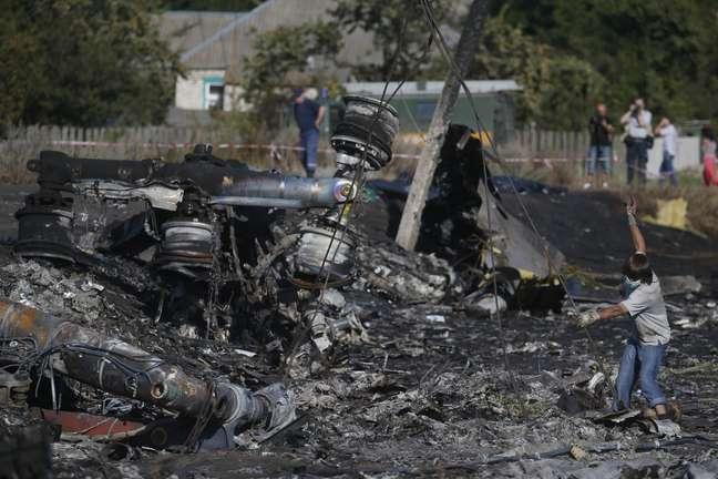 Destroços do voo MH17 na Ucrânia