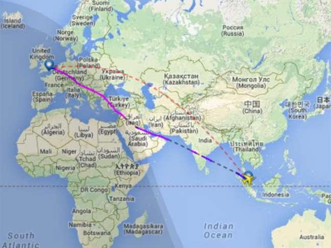 Site Flightradar24 mostra a trajetória original, que passava pela Ucrânia, e a utilizada pelo voo MH04, sobre a Síria