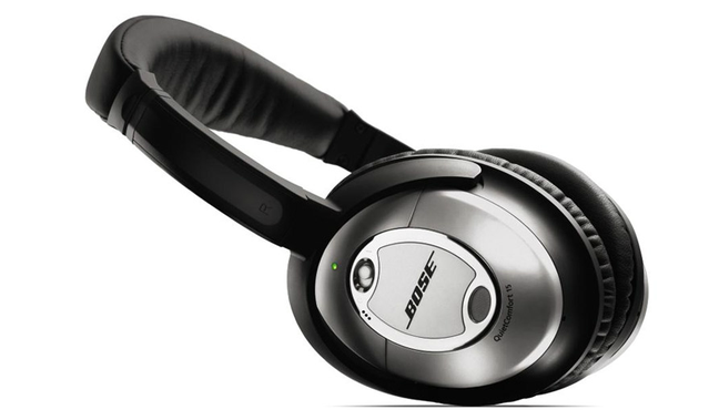 Modelo de fone de ouvido da Bose com a tecnologia de cancelamento de barulho
