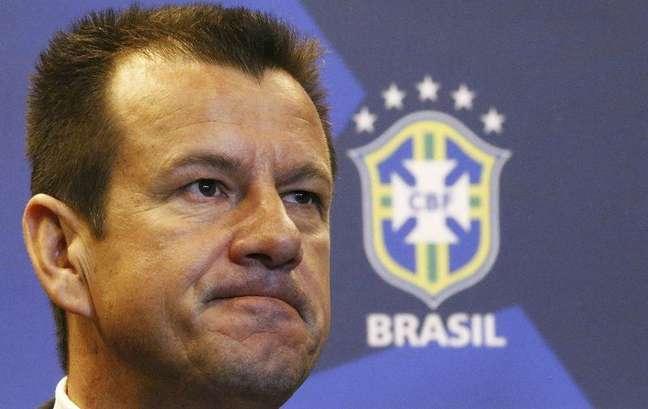 <p>Dunga, anunciado como t&eacute;cnico do Brasil em 22 de julho, far&aacute; a reestreia no dia 5</p>
