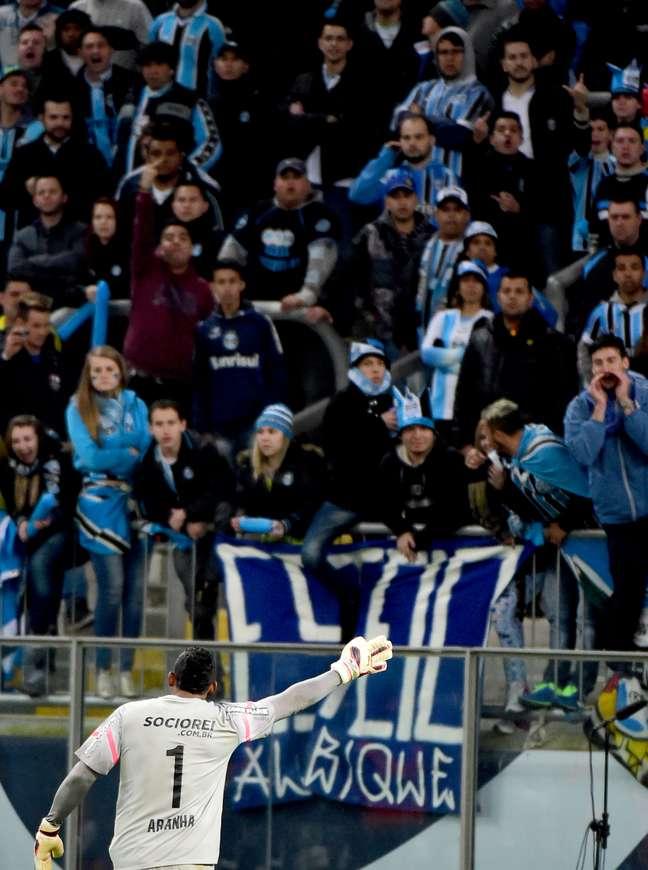 Aranha acusa torcedores do Grêmio de proferir xingamentos racistas