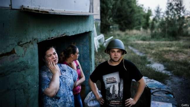 A violência do combate entre o Exército ucraniano e rebeldes já deixou mais de 300 mil refugiados