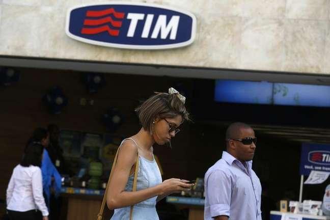 <p>Loja da TIM no Rio de Janeiro; teles entraram em acordo para comprar operadora</p>