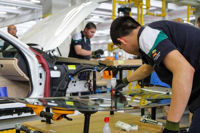 Primeiro carro produzido pela BMW no Brasil