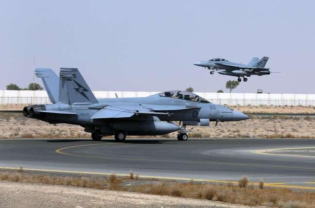 <p>O F/A-18F Super Hornet australiano (foto)&nbsp;lan&ccedil;ou duas bombas contra posi&ccedil;&otilde;es do Estado Isl&acirc;mico no Iraque</p>