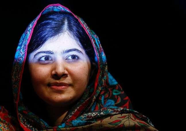 <p>Paquistanesa Malala Yousafzai após pronunciamento em Birmingham, na Inglaterra</p>