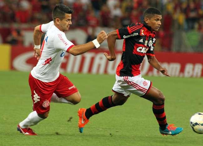 <p>Márcio Araújo acabou sendo substituído ainda na primeira etapa da partida por Gabriel</p>