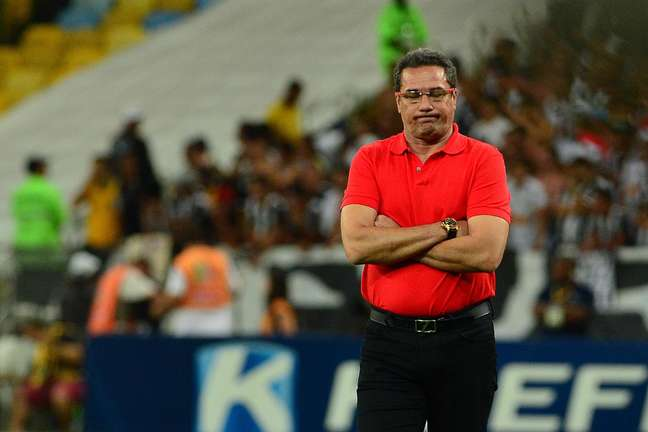 <p>Luxemburgo vai continuar no Flamengo</p>