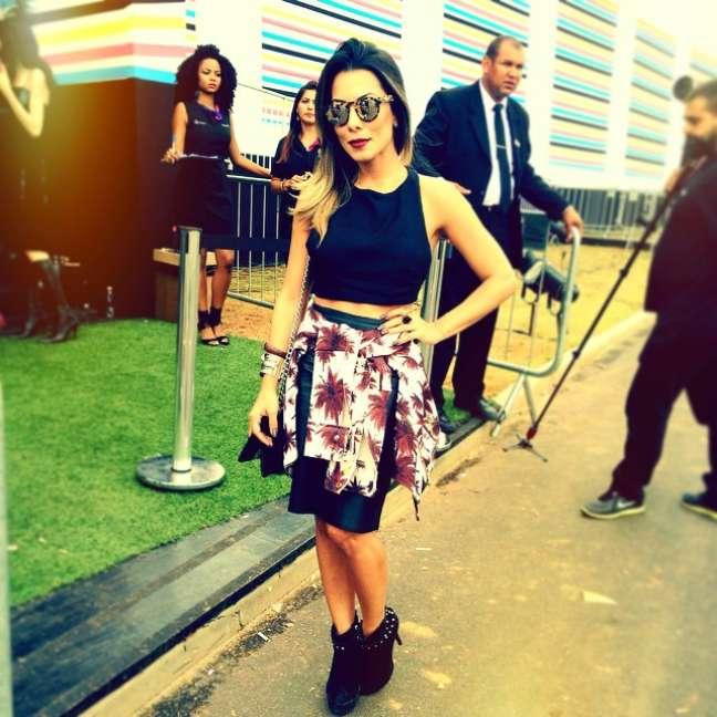 <p>A blogueira Thaylise Ferreira escolheu modelo com estampa de oncinha</p>