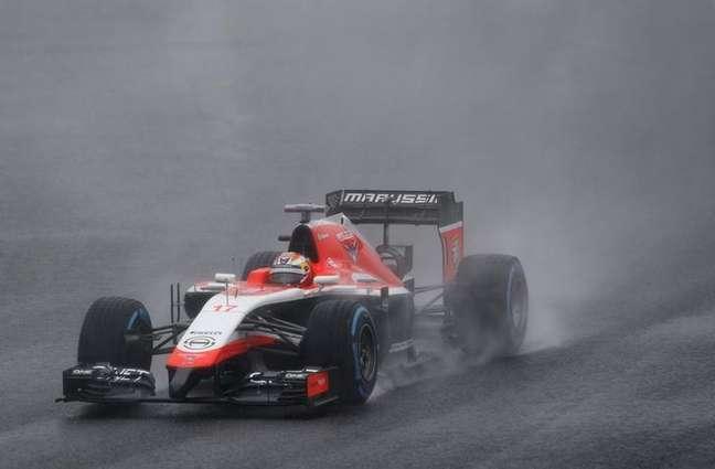 <p>Carro da Marussia pilotado por Jules Bianchi no Japão, em 5 de outubro do último ano</p>
