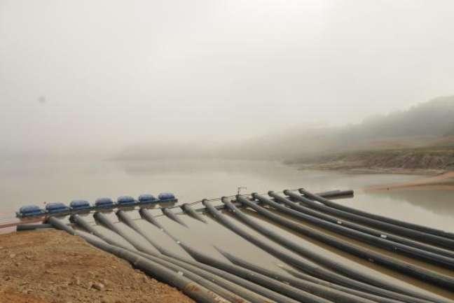 <p>O diretor metropolitano da Sabesp, PauloMassato afirmou que também faltará energia elétrica, se considerar o baixo nível do reservatório das usinas</p>