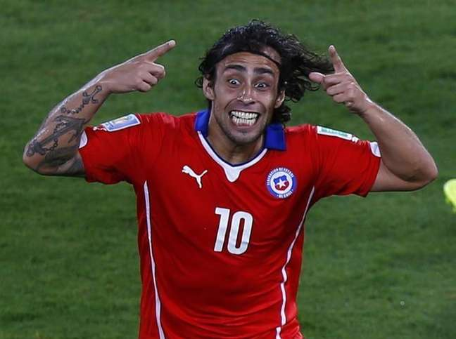 <p>Valdivia comemora gol marcado pela sele&ccedil;&atilde;o do Chile contra a Austr&aacute;lia</p>
