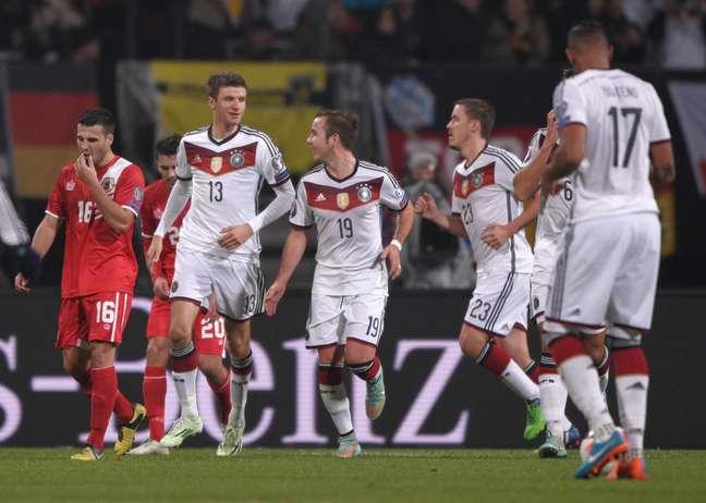 <p>Atual campeã do mundo, Alemanha segue na ponta da lista da Fifa</p>