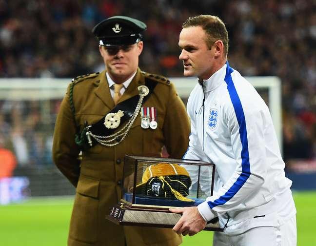 <p>Rooney alcançou 100 jogos pela Inglaterra</p>