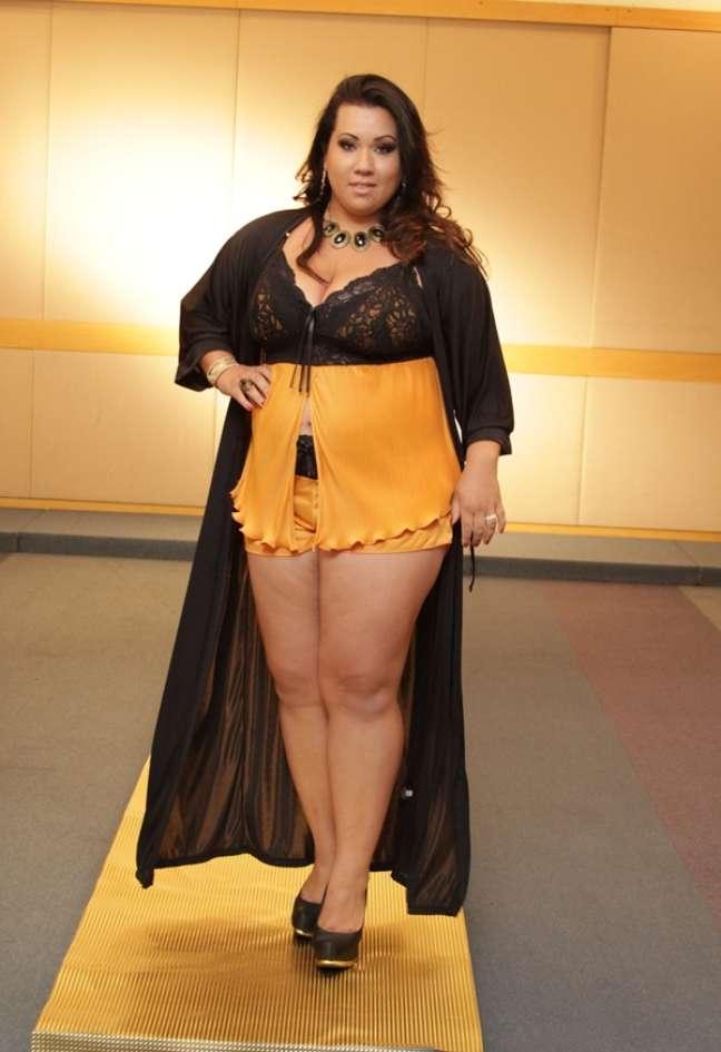 Candidatas ao Miss Plus Size desfilaram novidades em lingerie