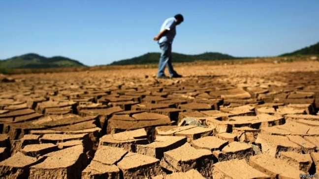 <p>Represa Jaguari, que faz parte do Sistema Cantareira; crise no manancial afetou desempenho da Sabesp no Bolsa</p>