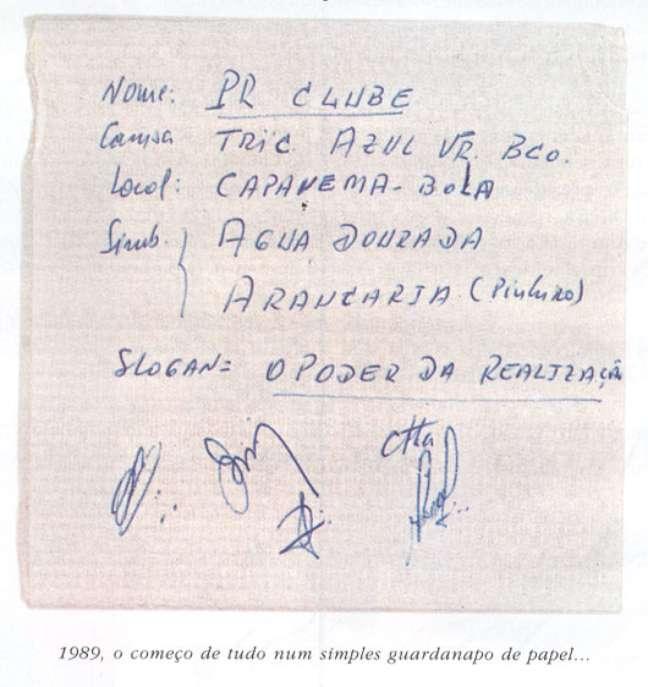 Três representantes de cada clube se reuniram em um restaurante e definiram detalhes no papel de guardanapo