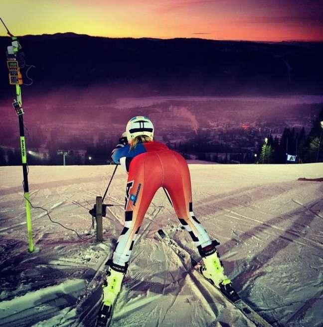 Musa do esqui Julia Mancuso posta foto de ano novo