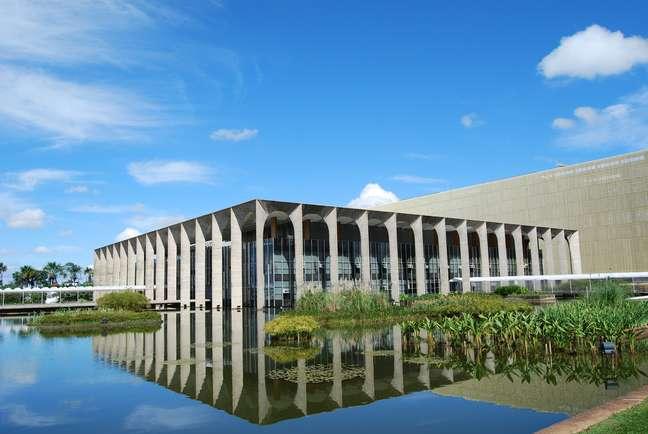 """<p><span style=""""font-size: 15.4545450210571px;"""">Sede do Ministério das Relações Exteriores, em Brasília, DF</span></p>"""