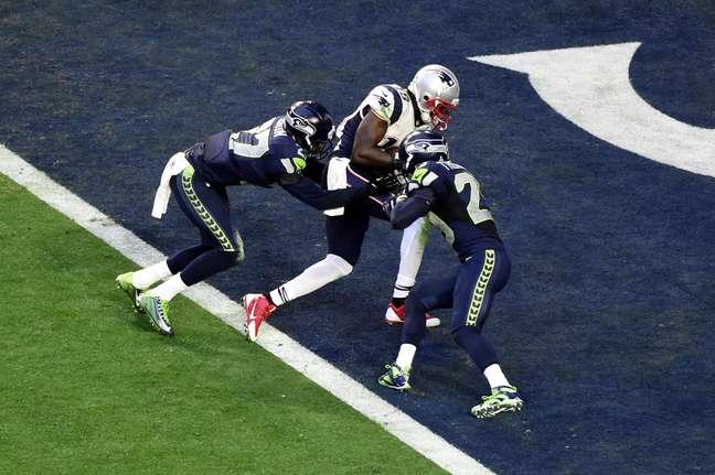 Brandon LaFell inaugurou o placar do Super Bowl ao receber passe curto de Tom Brady