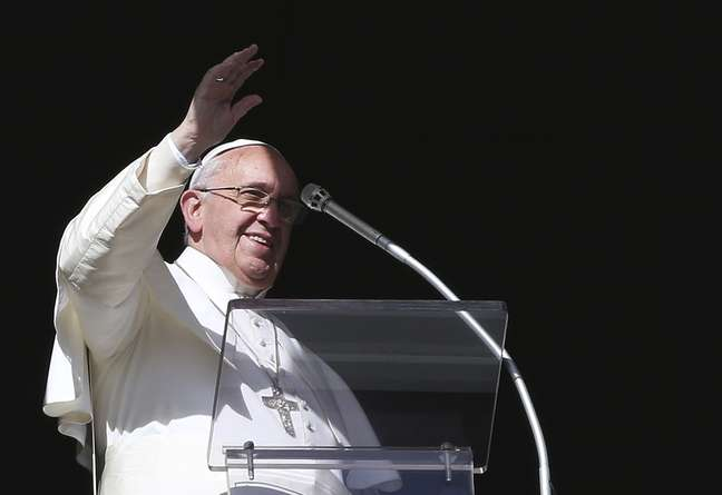 O papa Francisco durante Oração do Angelus na Praça São Pedro, no Vaticano, em 2 de fevereiro
