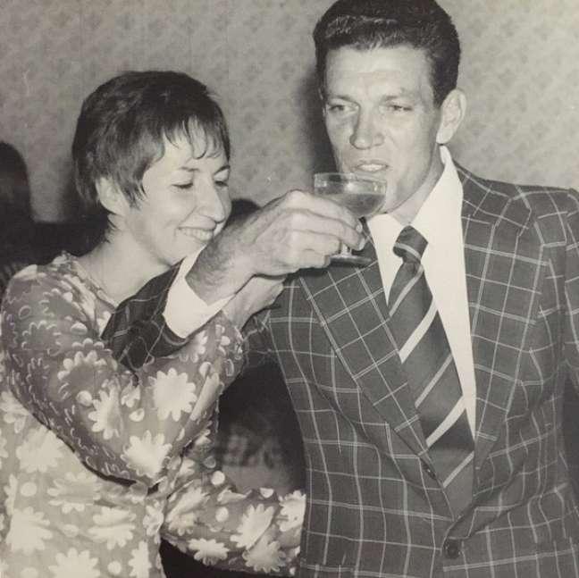 'Meu pai (luiz) e minha mae ( aldinha) bodas de prata'