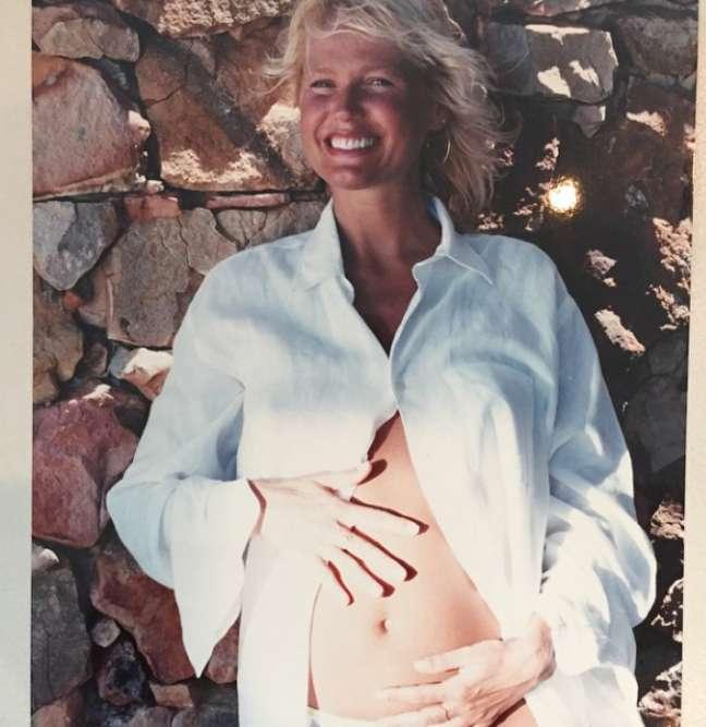 Tudo começou com essa foto de barrigão de grávida, postada na sexta-feira