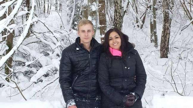 Fernanda e Simon se conheceram nos comentários de uma publicação de Podolski