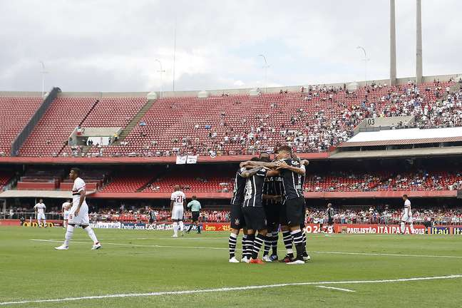<p>Estádio recebeu público inferior a 20 mil pessoas no clássico São Paulo x Corinthians</p>