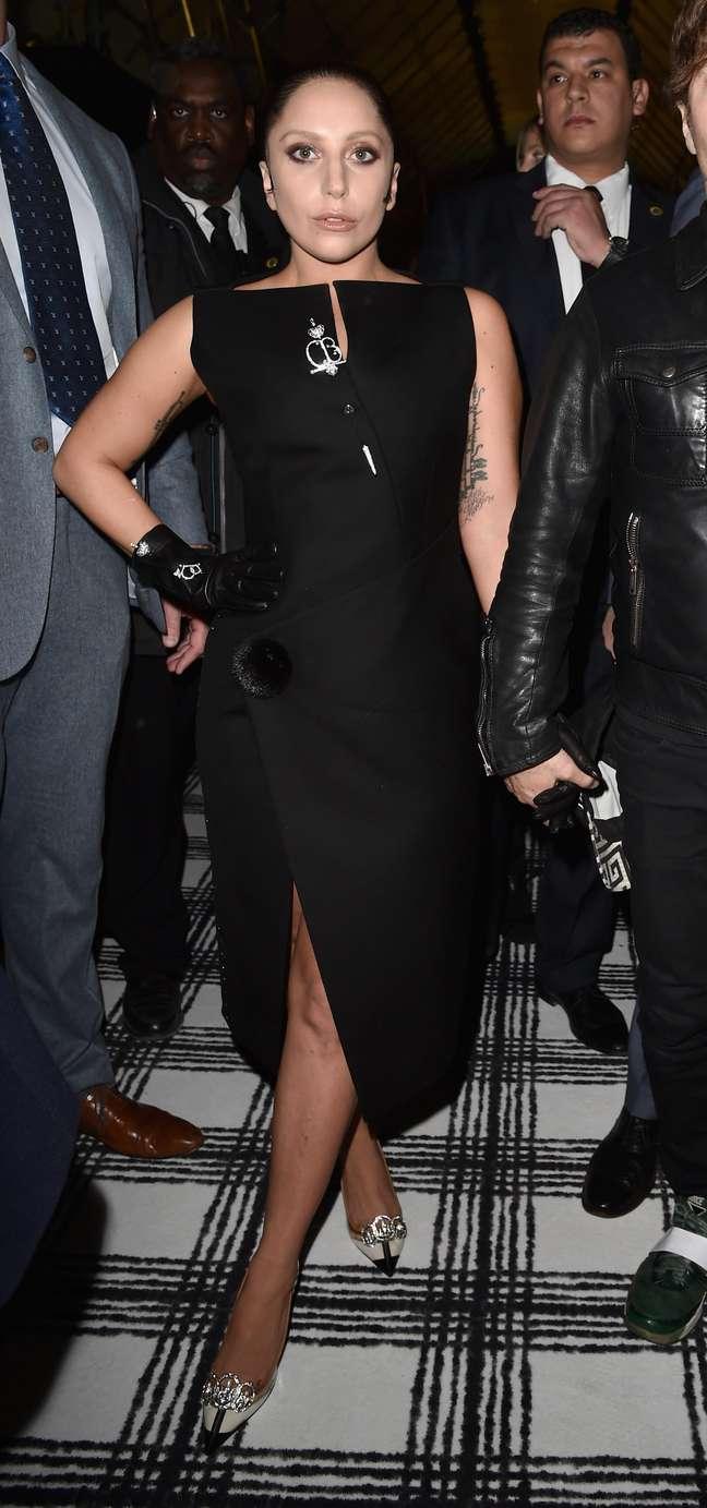 Lady Gaga estrelou a primeira fila do desfile da Balenciaga