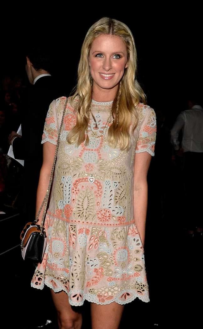 Nicky Hilton, irmã de Paris Hilton, no desfile da Maison Valentino